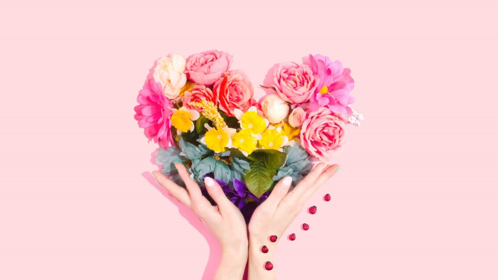 amy shamblen qdPnQuGeuwU unsplash 1 1000x563 - How to Say It with More than Just Flowers!