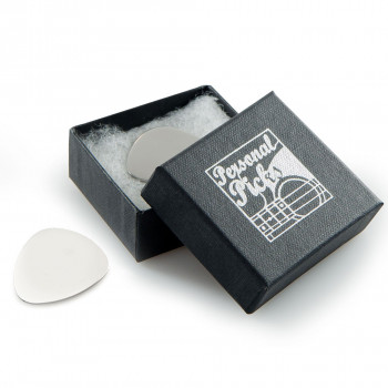 Design your own engraved plectrum