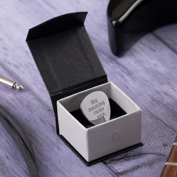 Plectrum in a Magnetic Box